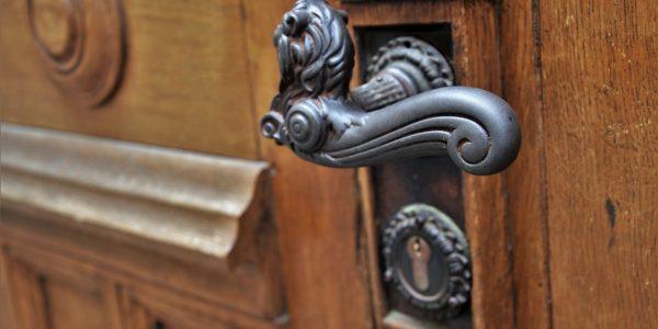 seguridad puertas